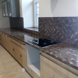 Кухонная столешница с фартуком и встраиваемой варочной панелью, камень LG - M 301