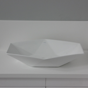 Столешница с фартуком и накладной керамической раковиной, камень LG - S 28